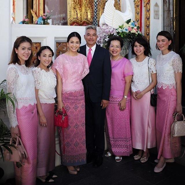 อ.แพน (เผ่าทอง ทองเจือ) และ คุณสลิล ล่ำซำ พร้อม ผู้บริหารและทีมงานบริษัทเมืองไทยประกันชีวิต